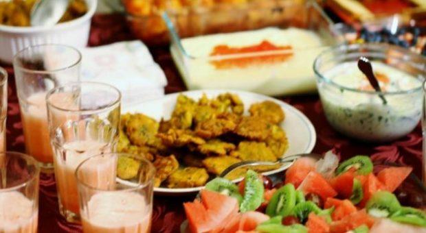 Ramazani: Çfarë preferohet të hani për iftar dhe syfyr?