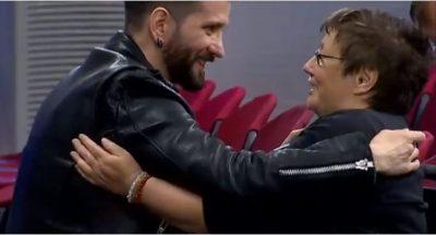 DO TË RRËNQETHENI/ Pak para Eurovizionit, gruaja me aftësi të kufizuara i bën një SUPRIZË Eugent Bushpepës (VIDEO)