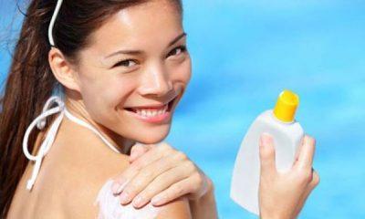 """Këshilla nga dermatologët: Çfarë të bësh për lëkurën tënde pasi je """"pjekur në diell"""""""