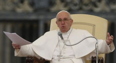 """Papa i thotë një homoseksuali: """"Zoti të bëri ashtu, dhe zoti të do ashtu"""""""