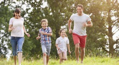 STUDIM/ Më të lumtur janë prindërit me dy fëmijë