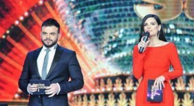 Moderatori shqiptar i thotë të gjitha: Përveç vajzave të bukura, në televizion janë shtuar edhe gay-t