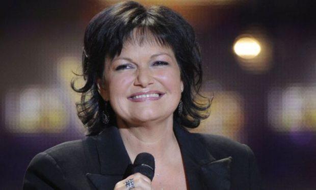 Sapo ishte rikthyer në skenë, gjendet e pajetë këngëtarja belge