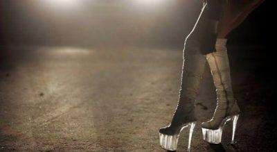 E PABESUESHME/ 70 vjeçari thërret një prostitutë, në derë i shafqet…(FOTO)