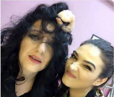 Aktorja shqiptare uroi miqtë për ditëlindje, por gjithë vëmendjen e morën vetullat e saj të bashkuara (FOTO)