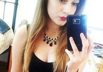 """Kush është sëmundja që po i """"nxin jetën"""" bukuroshes 21-vjeçare. Ajo vuan nga… (FOTO)"""