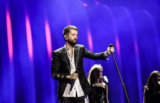 Prezantuesja e Eurovisionit flirton me Eugentin, ja kërkon troç para të gjithëve (FOTO)