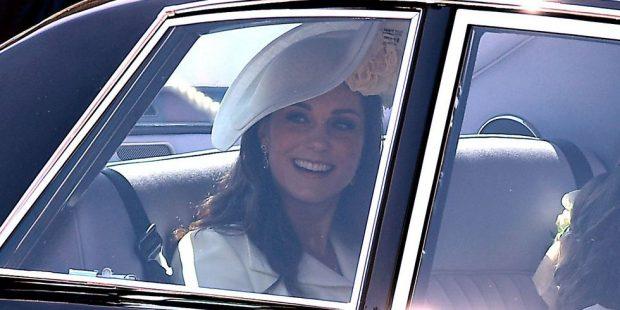 Një muaj pas lindjes/ Çfarë veshi Kate Middleton për MARTESËN e Princit Harry me Meghan Markle (FOTO)