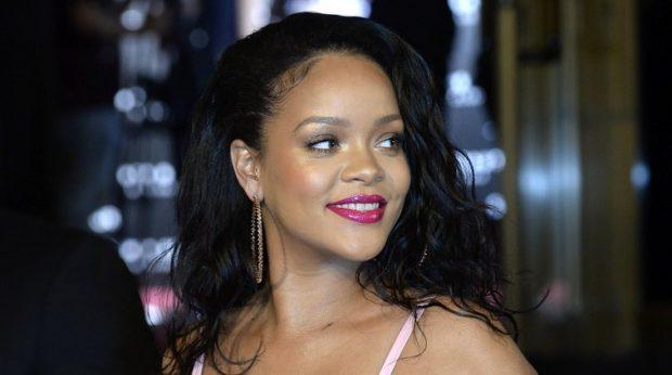 E padepiluar dhe me strija: Rihanna sapo shkaktoi një stuhi në rrjetet sociale