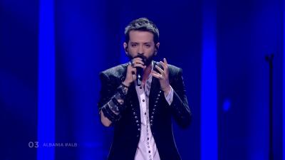"""Kualifikimi i Eugentit në Eurovision """"ÇMENDEN"""" grekët: Këngëtari i shqipërisë vjet na shtroi pllakat… (FOTO)"""