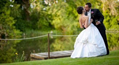 MENDOHUNI MIRË/ Gabimet e mëdha që bëjnë çiftet që martohen në verë
