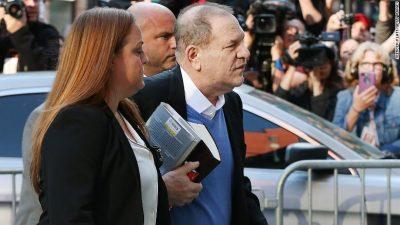 Akuza për ngacmim seksual dhe përdhunim/ Weinstein dorëzohet në policinë e New Yorkut