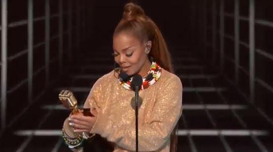 Janet Jackson gruaja e parë me ngjyrë që fiton Çmimin Ikonë në Billboard (VIDEO)