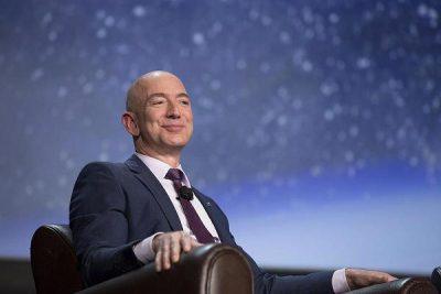 """Kush është Jeff Bezos, """"shefi"""" më i PUSHTETSHËM në BOTË"""