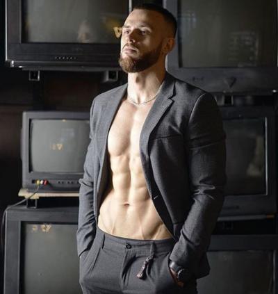 Modeli shqiptar SHOKON me deklaratën: Marr OFERTA seksi dhe nga meshuj… (FOTO)