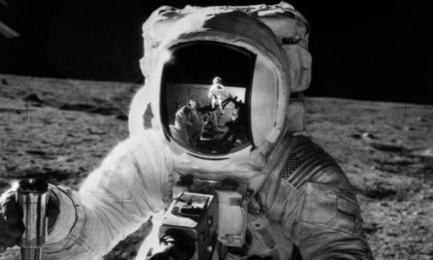 Ndahet nga jeta njeriu i katërt që shkeli në Hënë