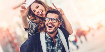 Njerëzit që bëjnë foto gjatë gjithë kohës janë më të lumtur! Dhe ja përse ndodh kjo