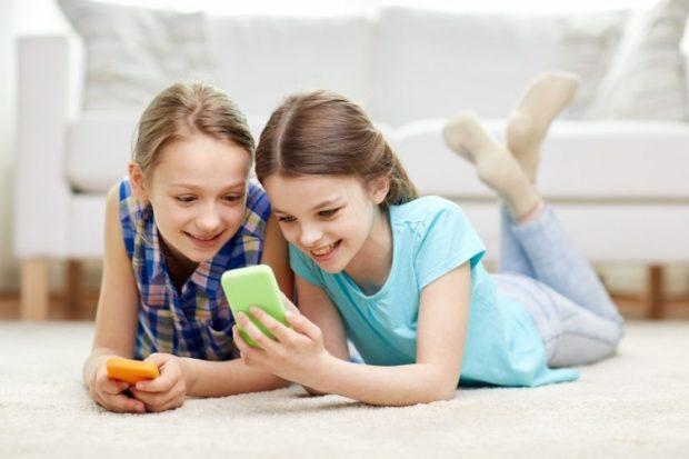 Pse fëmijët nuk duhet të kenë celular? Zbuloni 5 rreziqet!