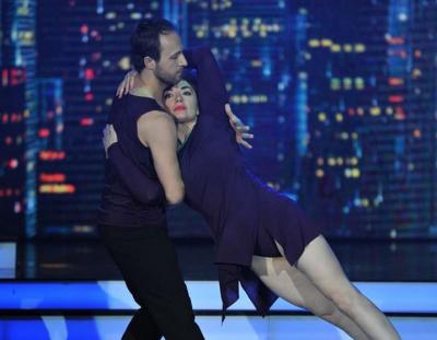 """E AKUZOJNË për romancë me balerinin, Rovena Dilo i SHMANGET pyetjes në """"DWS"""""""