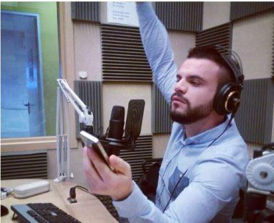Shprehet moderatori shqiptar: Po më bërtiti eprori largohem nga puna, nuk e shes dinjitetin…