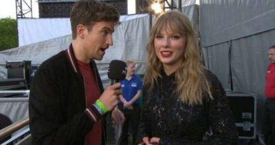 Çfarë i bëri vetes! Gazetari i thotë Taylor Swift-it të shkojë të lahet, shpërthen rrjeti (FOTO+VIDEO)