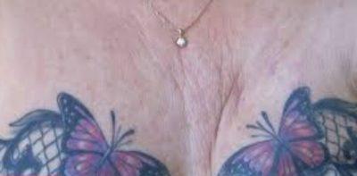 E PABESUESHME/ Tatuazhi në gjoks i ndryshon jetën gruas me kancer