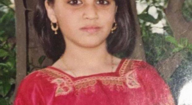"""Letra që ka shokuar botën: """"U fejova 8 vjeç, u martova 15 dhe më pas u përdhunova…"""""""