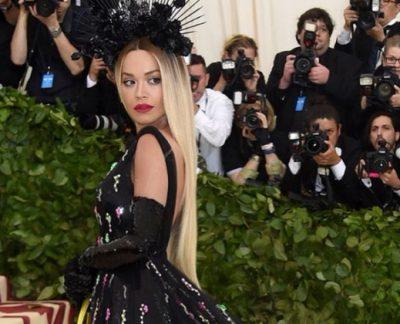"""Rita Ora publikon pjesë nga xhirimet e klipit """"Gilrs"""" me Cardi B dhe Bebe Rexha, ja si do të duket (FOTO/VIDEO)"""