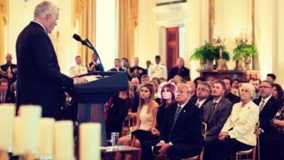 Melania Trump shfaqet në publik për herë të parë pas operacionit