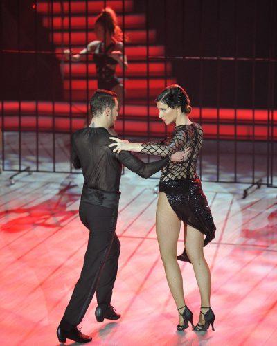 """Pa prit pak! Mos ndoshta Aulona Musta zbuloi emrin e fituesit të """"Dancing With the Stars""""? (VIDEO)"""
