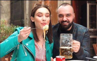 Edhe pse do të martohet sot, festa për Jona Spahiun dhe partnerin e saj ka nisur që mbrëmë. Pamjet (VIDEO)
