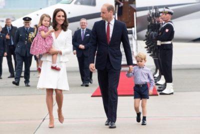 E dinit këtë rregull të çuditshëm që duhet të zbatojnë fëmijët e familjes mbretërore? (FOTO)
