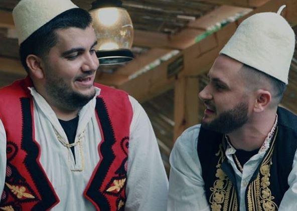 """""""Pije mor daj se jena high"""", Bes Kallaku dhe Ermal Fejzullahu në tallava (VIDEO)"""