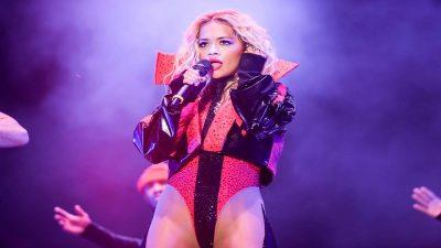 """""""DO BËJ NAMIN""""/ Rita Ora performon sonte në Sheshin Skënderbej"""