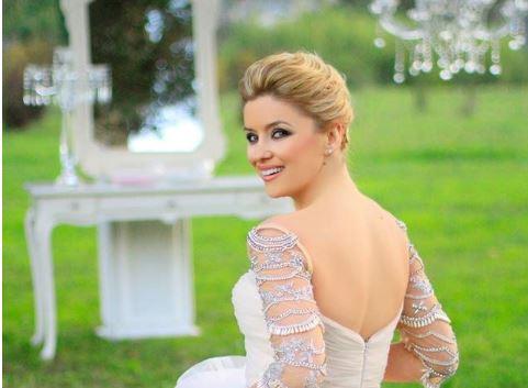 Alketa Vejsiu flet për fustanin e VITIT: Nëse do të bëja dasmë sërish, do vishja vetëm atë… (FOTO)