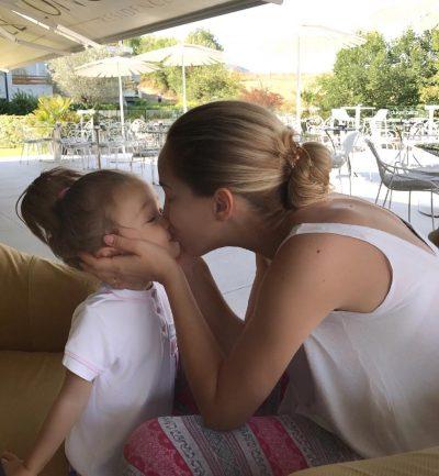 Ameli në gjurmët e prindërve! Mami Miriam e mbështet në pasionin e ri (FOTO)