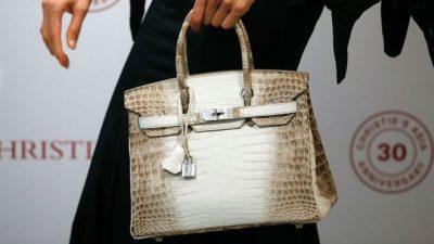 Çanta e dorës Hermes Birkin, e përdorur prej 10 vjetësh, shitet në ankand me çmim të pabesueshëm