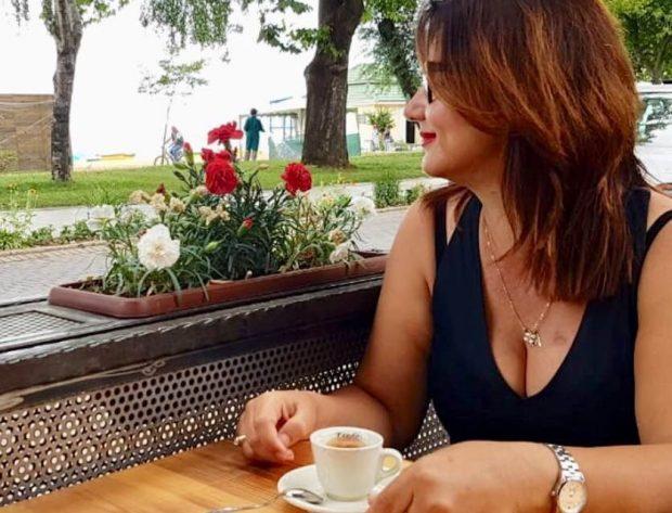 """Shkrimtarja e njohur revoltohet me Albatros Rexhajn : """"Po çfarë letërsie është kjo?"""" (FOTO)"""