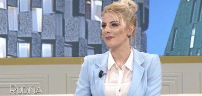 Deputetja seksi rrëfen fillimet e saj në politikë: Nuk dija asnjë fjalë shqip dhe…