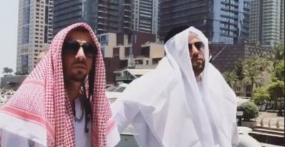 Blunt dhe Real 1 bëhen sheik në Dubai! Do të qeshni me LOT me këtë VIDEO