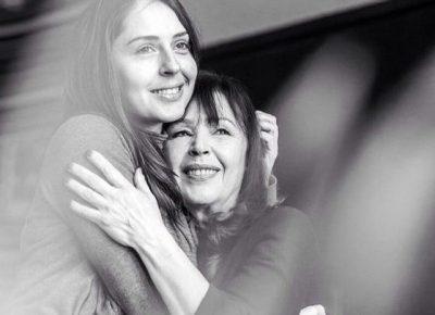 Kush ka vajza botën ka! Elia Zaharia dhe nëna e saj, ditë për ditë si dy shoqe (FOTO)