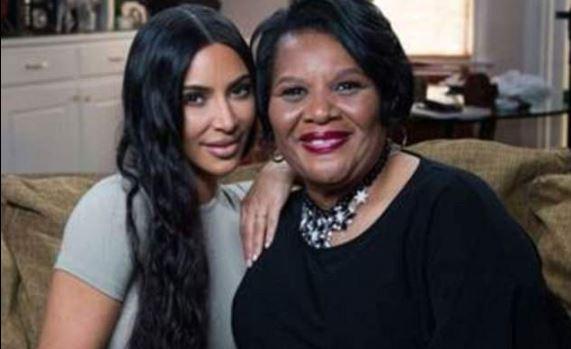E shpëtoi nga burgu, Kim Kardashian takohet me gjyshen e dënuar me burg të përjetshëm