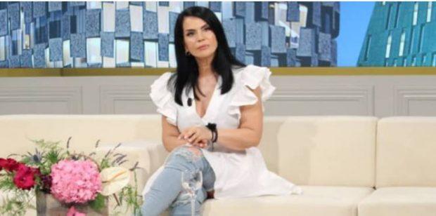 Flet këngëtarja shqiptare: I dua nuset se m'i kanë bërë djemtë të lumtur…