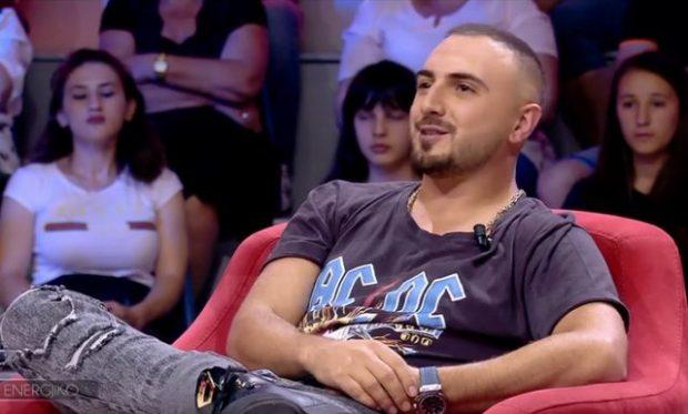 Blunt dhe Real 1 me borxhe ndaj Gjikos?! Këngëtari i FËLLIQ, i kërkon lekët publikisht në…