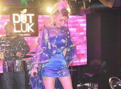 Këngëtarja e famshme turke qëllohet për vdekje në një lokal. Ajo nuk i mbijetoi…