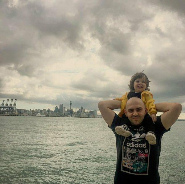 Vetëm 2 vjeç, por vendi i preferuar i Lianit është një mësim për të gjithë (FOTO)