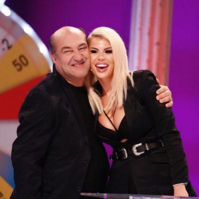 Luana Vjollca, ashtu siç nuk e keni parë kurrë më parë! Publikon këngën popullore me Bujar Qamilin! (VIDEO)