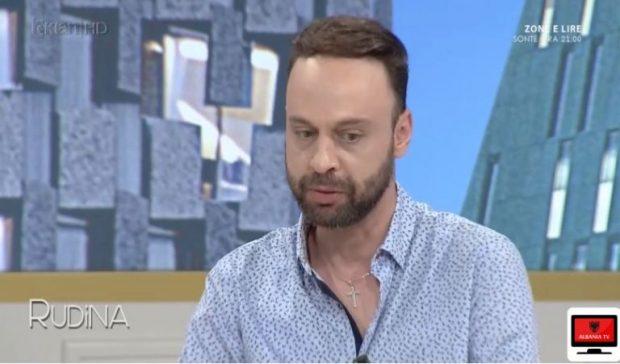 E dhimbshme! Moderatori shqiptar mes lotësh, tregon momentin kur dashuria e tij u diagnostifikua me kancer (FOTO)