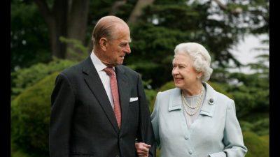 Tronditet familja mbretërore! Publikohet libri për jetën seksuale të mbretëreshës dhe burrit të saj
