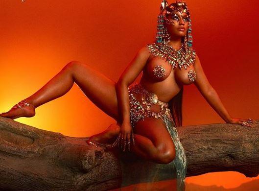 'Mbretëresha' Nicki Minaj topless në albumin e ri